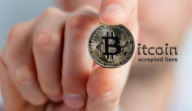 bitcoin v prstech
